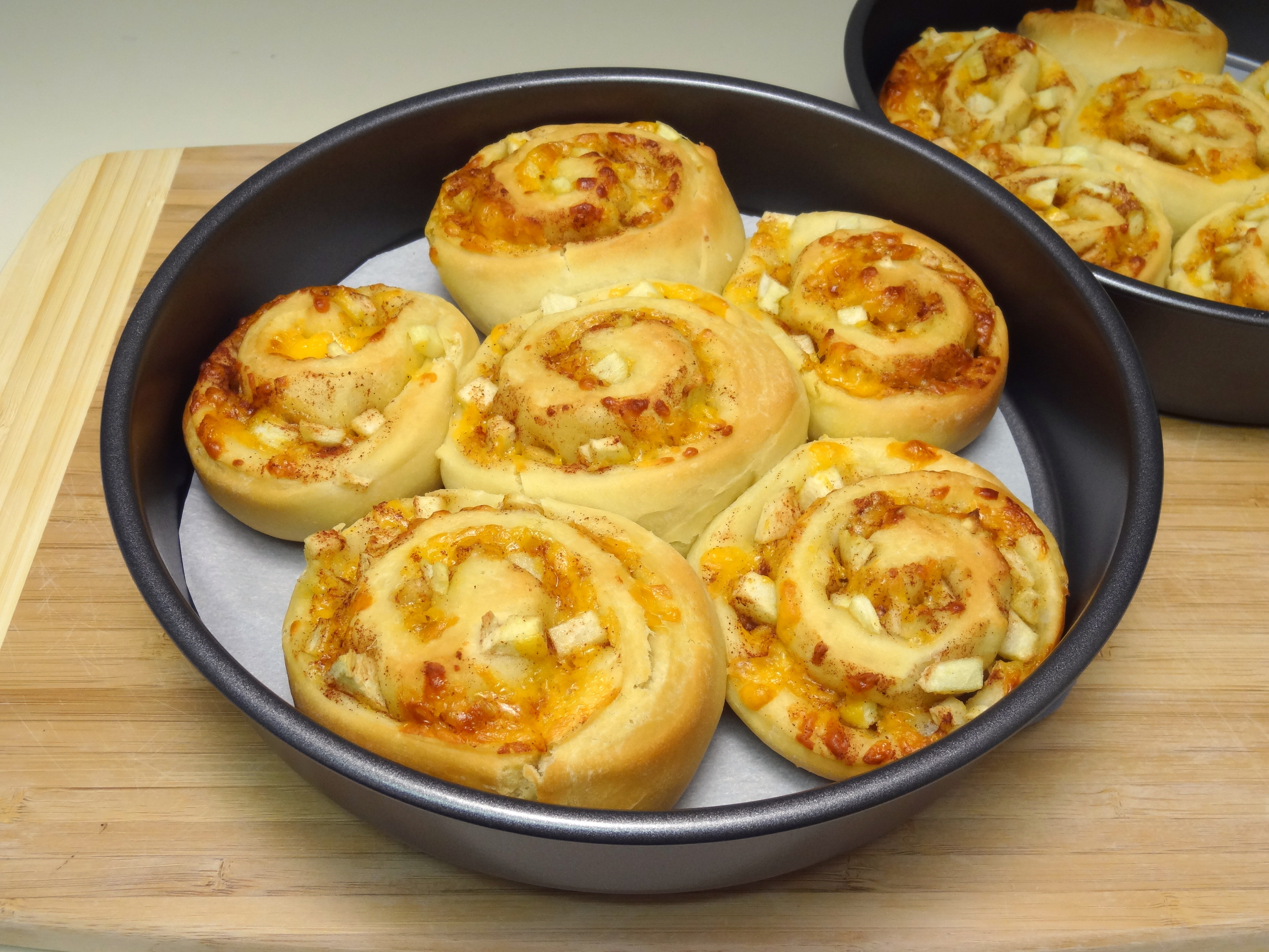cheddar apple cinnamon rolls