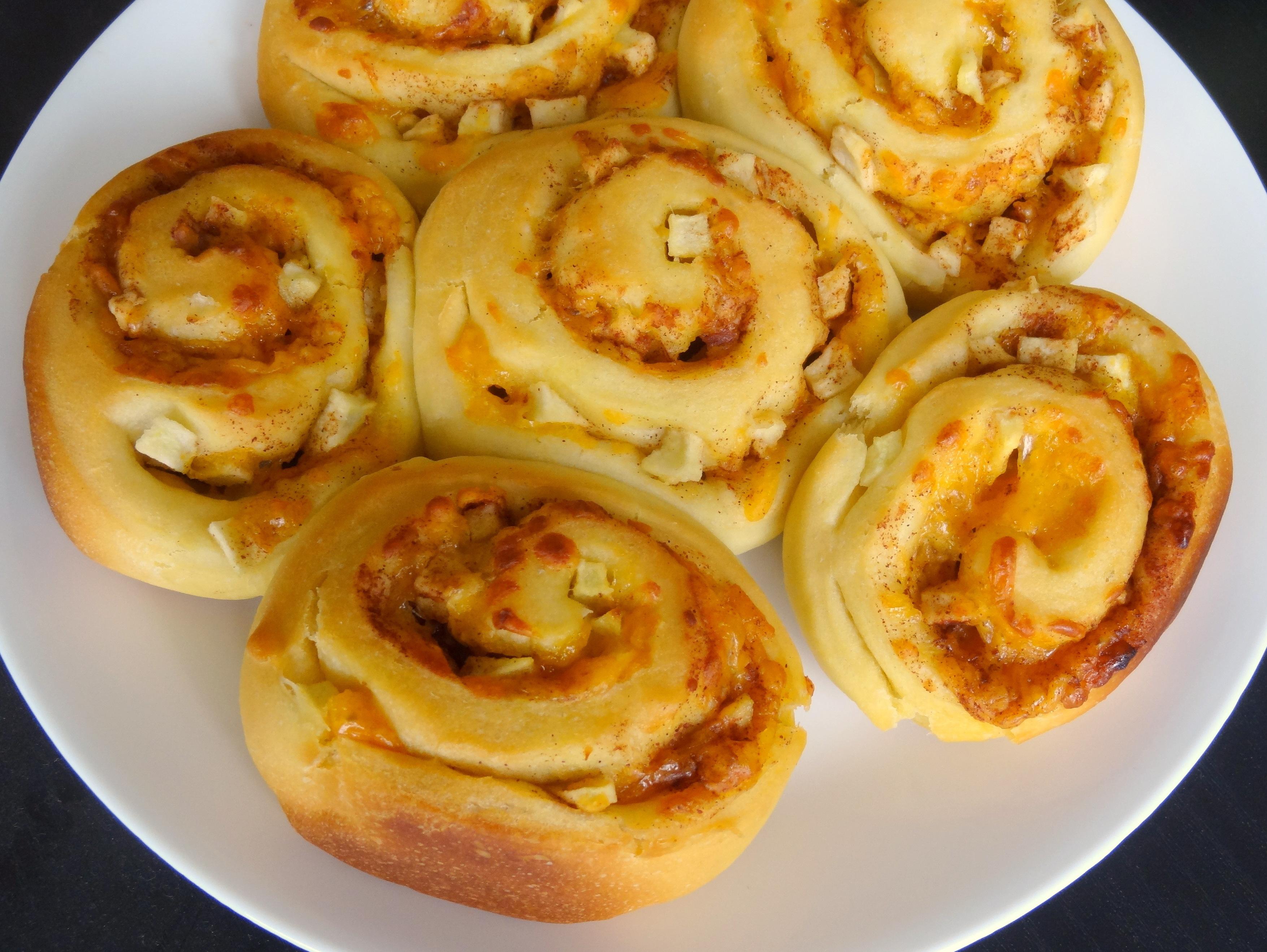 cheddar apple cinnamon rolls