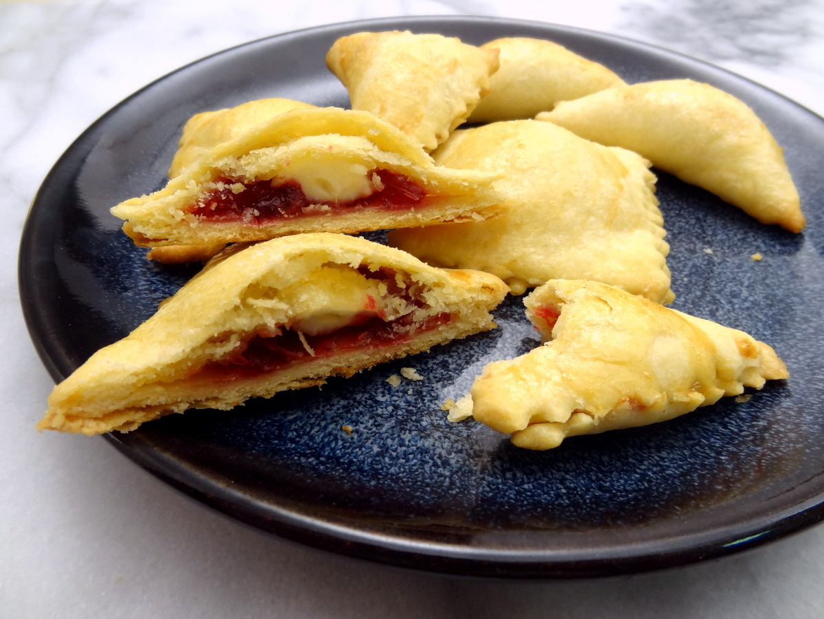 cranberry brie pastries